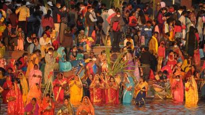 Covid norms thrown to the wind at Chhath Puja in Chandigarh