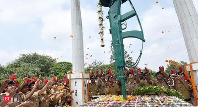 Army commemorates 21st anniversary of Kargil Vijay Diwas of victory over Pakistan