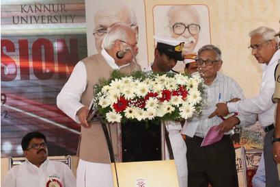 Kerala Guv Faces Protest Over CAA Remark, Blames Historian Irfan Habib for 'Disrupting' Address