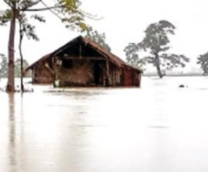 State flood scene worsens, 3.4 lakh hit in 14 districts