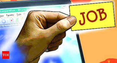 Officials contact youngsters over phone for jobs