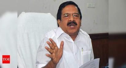 Ramesh Chennithala writes to Kerala CM on Covid management