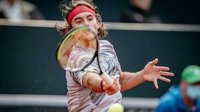 Tsitsipas beats Cuevas to reach Hamburg quarterfinals