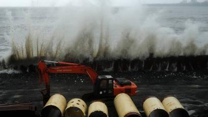Rains batter Mumbai, hit transport; cranes collapse at JNPT