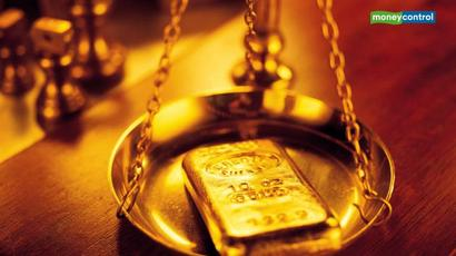 India#39;s March gold imports hit 6-1/2-year low on record price: Govt source