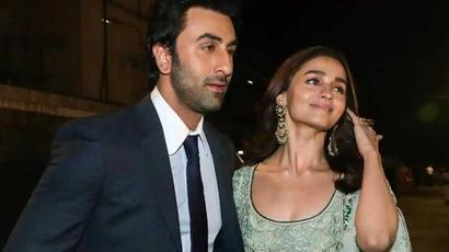 Ranbir Kapoor and Alia Bhatt best actors? Apurva Asrani begs to differ, offers 22...