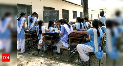 North MCD has not given books to 3 lakh students studying in schools run by them: AAP