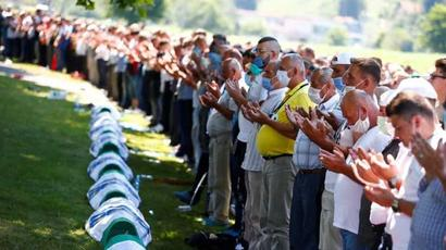 World leaders join Bosnians to mark 25 years of Srebrenica genocide