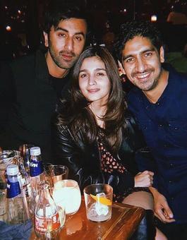 Brahmastra diaries Alia Bhatt is all loved up with Ranbir Kapoor, Ayan Mukerji smiles on