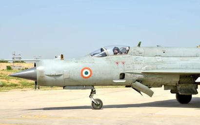IAF chief flies MiG-21, reviews op readiness on western front