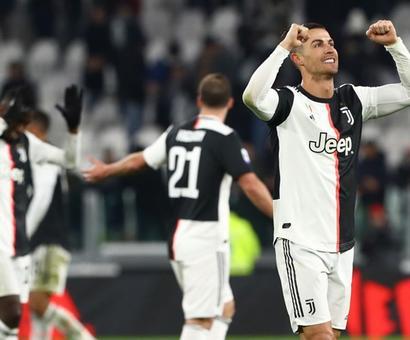 Soccer PIX: Ronaldo strikes again; PSG reach League Cup final
