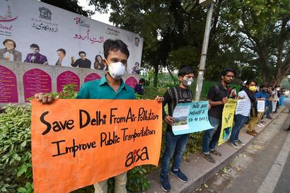 Delhi's Air Quality Enters 'Severe' Category as AQI Crosses 400-mark; Ghaziabad Worst Hit