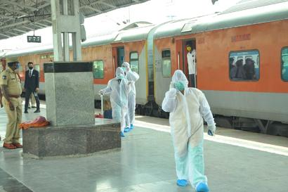 Railways to Produce Hospital Beds, Stretchers and IV Stands