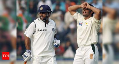 Intentionally bowled beamer to Dhoni during Faisalabad Test in 2006: Akhtar