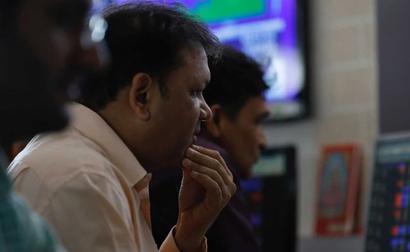 Sensex, Nifty Off Day's Highs; Pharma Stocks Jump