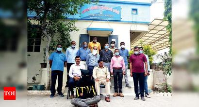 Rajkot: CA arrested for murder confesses to 52 snatchings