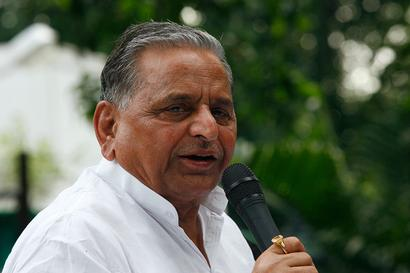 'When Will He Come to Parliament?': Mulayam Asks Govt on Release of Jammu CM Farooq Abdullah From Detention