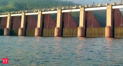 Kerala govt asks TN govt to release water from Mullaperiyar dam in a phased manner