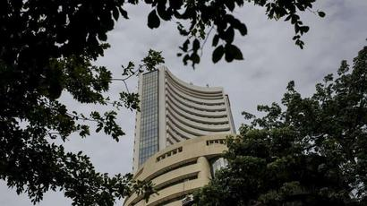 India stocks gain as investors turn focus to business resilience