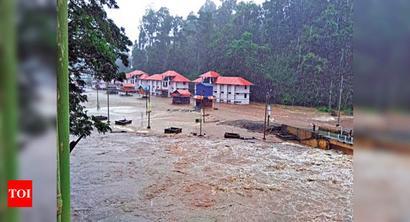 Kerala: Triveni bridge submerged; orange alert in Kottayam, Pathanamthitta