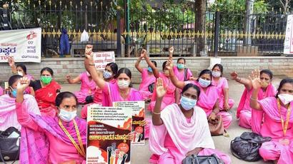 FIR against 100 Asha workers for Jantar Mantar protest