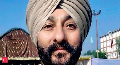 J&K cops quiz Davinder Singh; NIA to take over soon; a militant killed