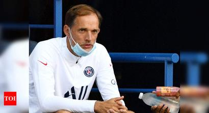 PSG coach Tuchel fractures foot in workout