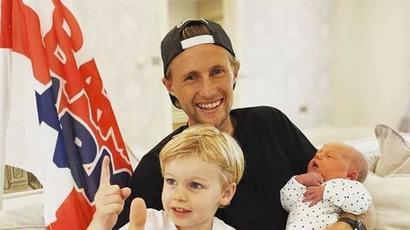 Joe Root becomes father for the second time, shares photo with newborn