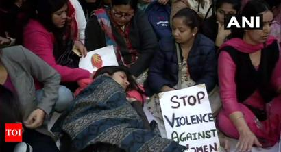 Police asks DCW chief, on hunger strike, to vacate Jantar Mantar premises