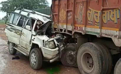 4 Dead, 5 Injured After Car Rams Truck In Chhattisgarh