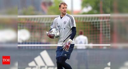 Germany goalkeeper Manuel Neuer extends Bayern Munich contract