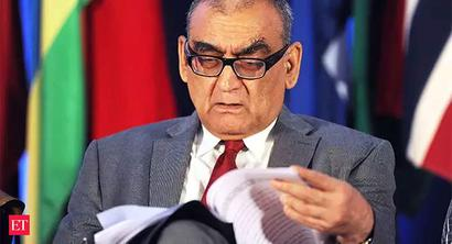 Justice Markandey Katju takes to Twitter to defend Justice AK Sikri