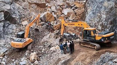 Death toll rises to 5 in stone quarry mishap in Sonbhadra as rescue ops end
