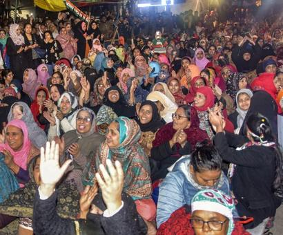 SEE: Armed man threatens Shaheen Bagh protesters