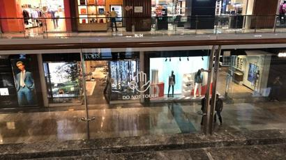 Unlock 3.0 | Visit to a mall in Mumbai: Despite strict safety measures, tepid response on Day-1