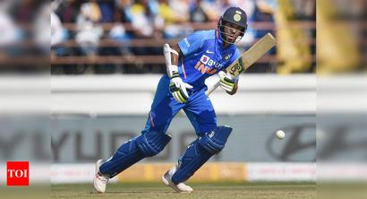 2nd ODI: Injured Dhawan fails to take field, Chahal replaces him