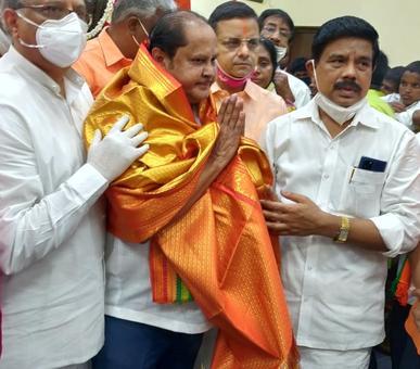 DMK MLA praises PM Modi, party suspends him