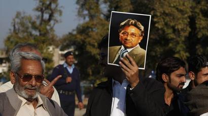 Pervez Musharraf challenges special court#39;s verdict in high treason case: Report