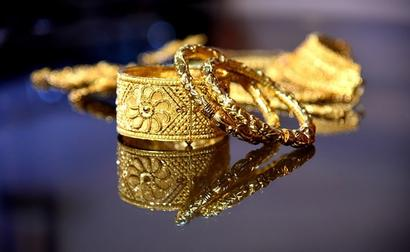 Gold Futures Log Mild Gains, Hover Around Rs 55,000