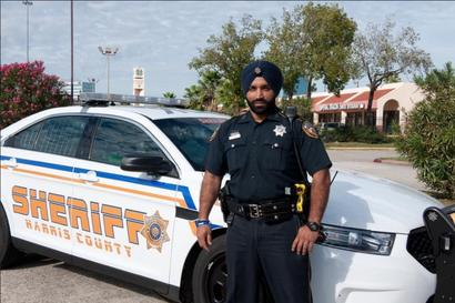 In Honour of Slain Indian-American Cop, Houston Police Change Dress Code Policy for Sikh Personnel
