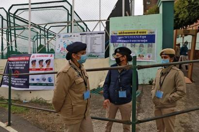 Delhi Police Files FIRs against Inmates of Dwarka, Bakkarwala Quarantine Centres for Misbehaviour