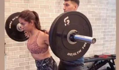 Mira Rajput gives competition to husband Shahid Kapoor as she aces squats with 40...