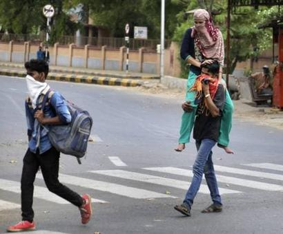 SC notice to Centre, Maharashtra UP on plea for assisting migrants travelling from Mumbai