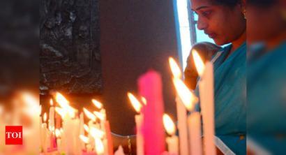 AP: Police crackdown on Sunday prayers at church