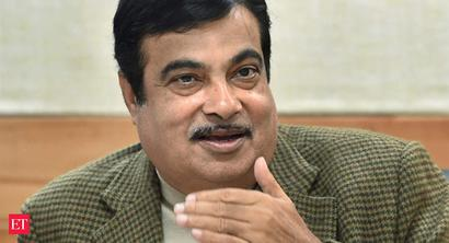 Gadkari to hold marathon review meeting on stuck road projects worth Rs 300 crore