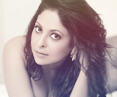 `Hair & there`: Shefali Shah pens down a oh-so-relatable poetry and you have to watch it!