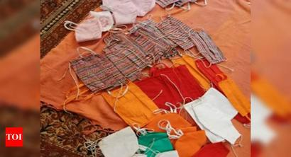 Uttar Pradesh: Pay fine, buy two masks on the spot