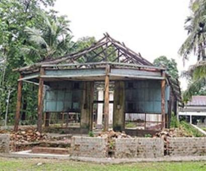 Historic Ramrai Kuti Satra in dilapidated state
