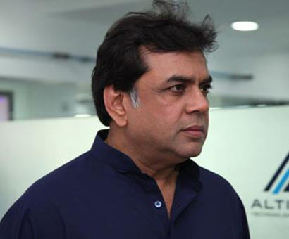 Paresh Rawal explains the actual meaning of the real heroes!